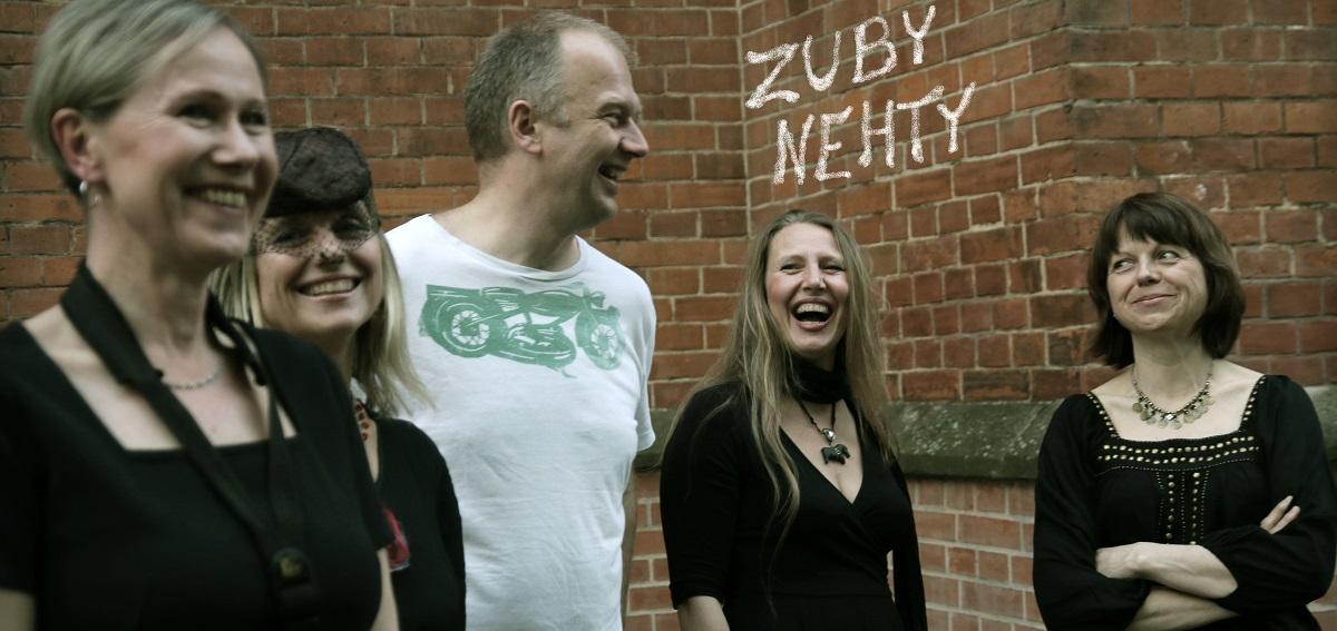 Zuby Nehty